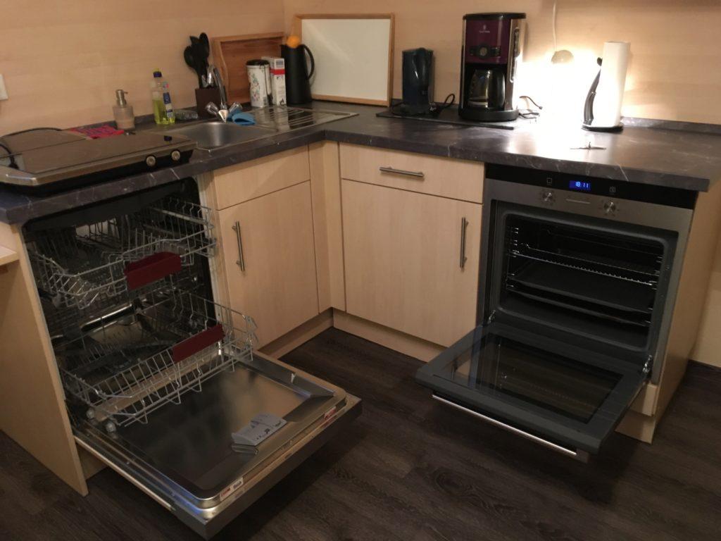 Küche mit Essplatz - Pension Taunusblick